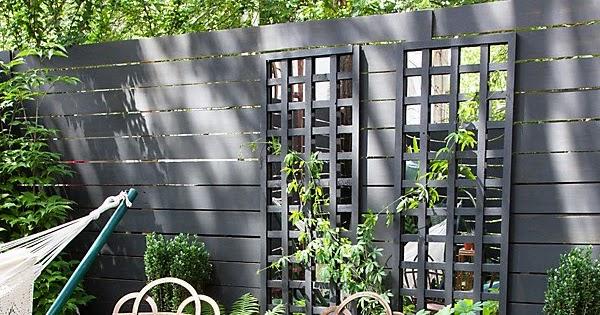 ma maison au naturel un miroir et un treillis pour une plante grimpante. Black Bedroom Furniture Sets. Home Design Ideas