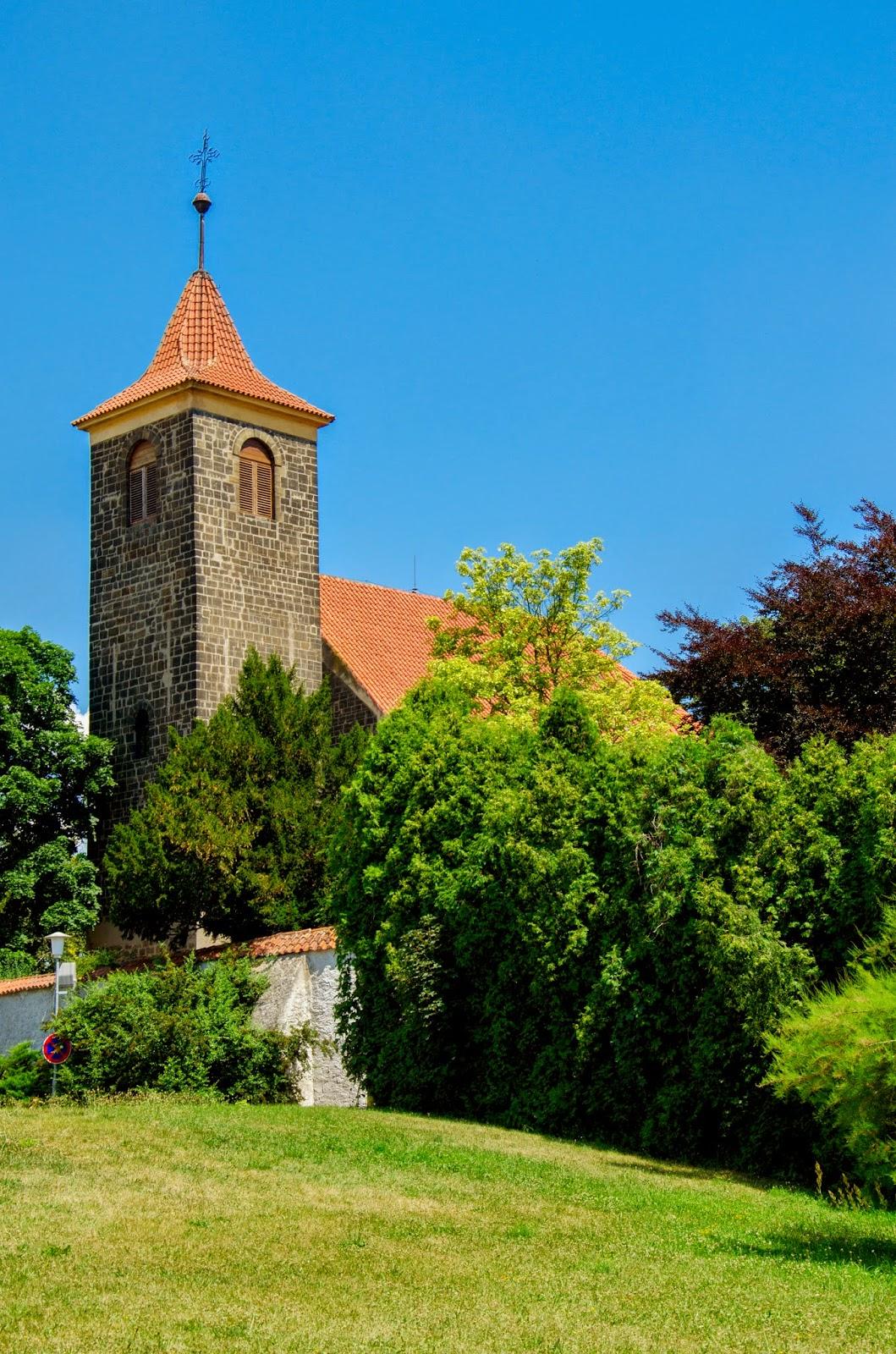 románský kostel