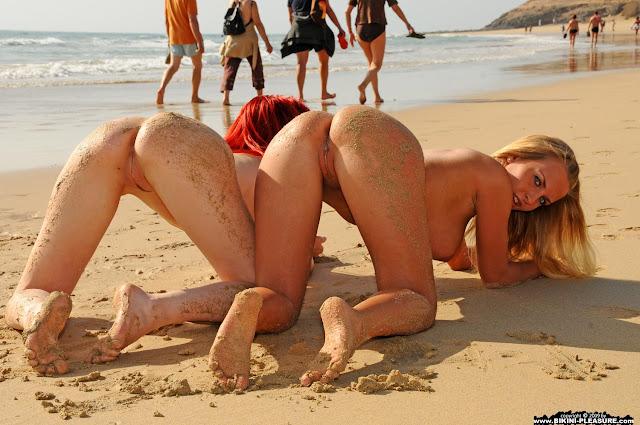 FotosNua.Com gostosas mostrando a buceta na praia