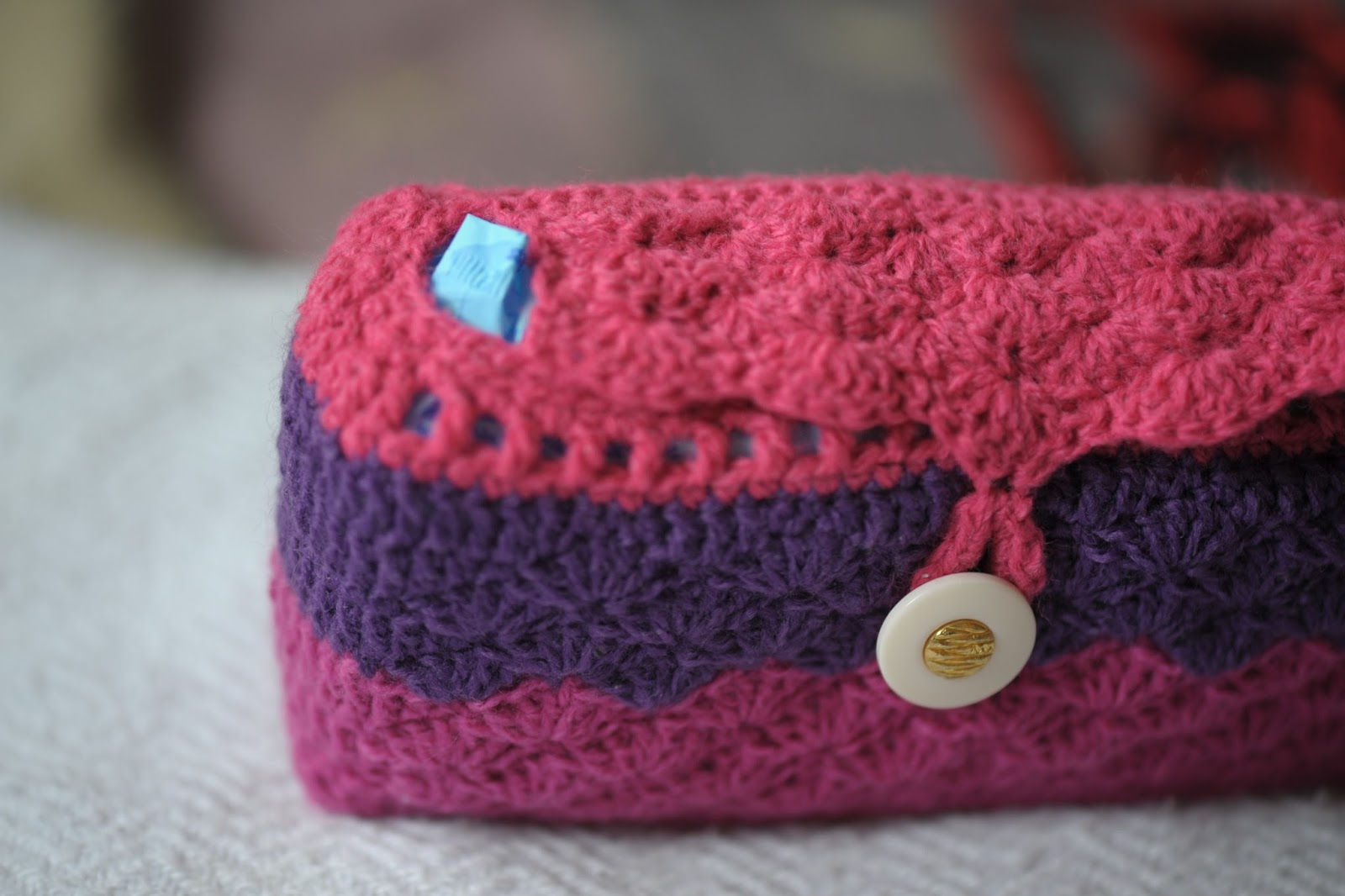Crochet Toiletry Bag Pattern : Its a crafty world!: Crocheted Toiletry Bag