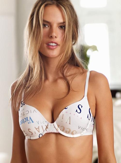 Alessandra Ambrosio, Victoria's Secret,