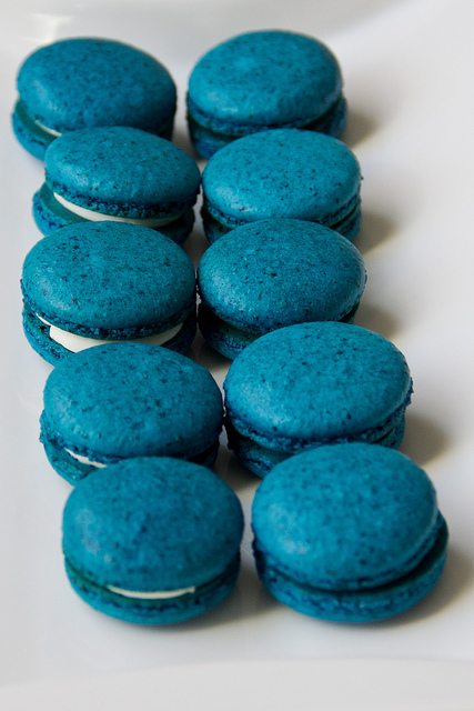 ... More: Blueberry French Macarons with White Chocolate Coconut Ganache