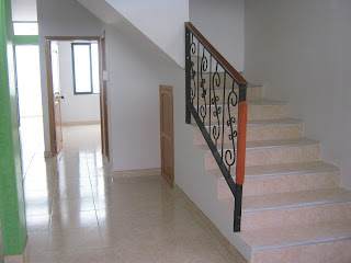 Vendemos casas casas para la venta for Escaleras para casas de dos pisos
