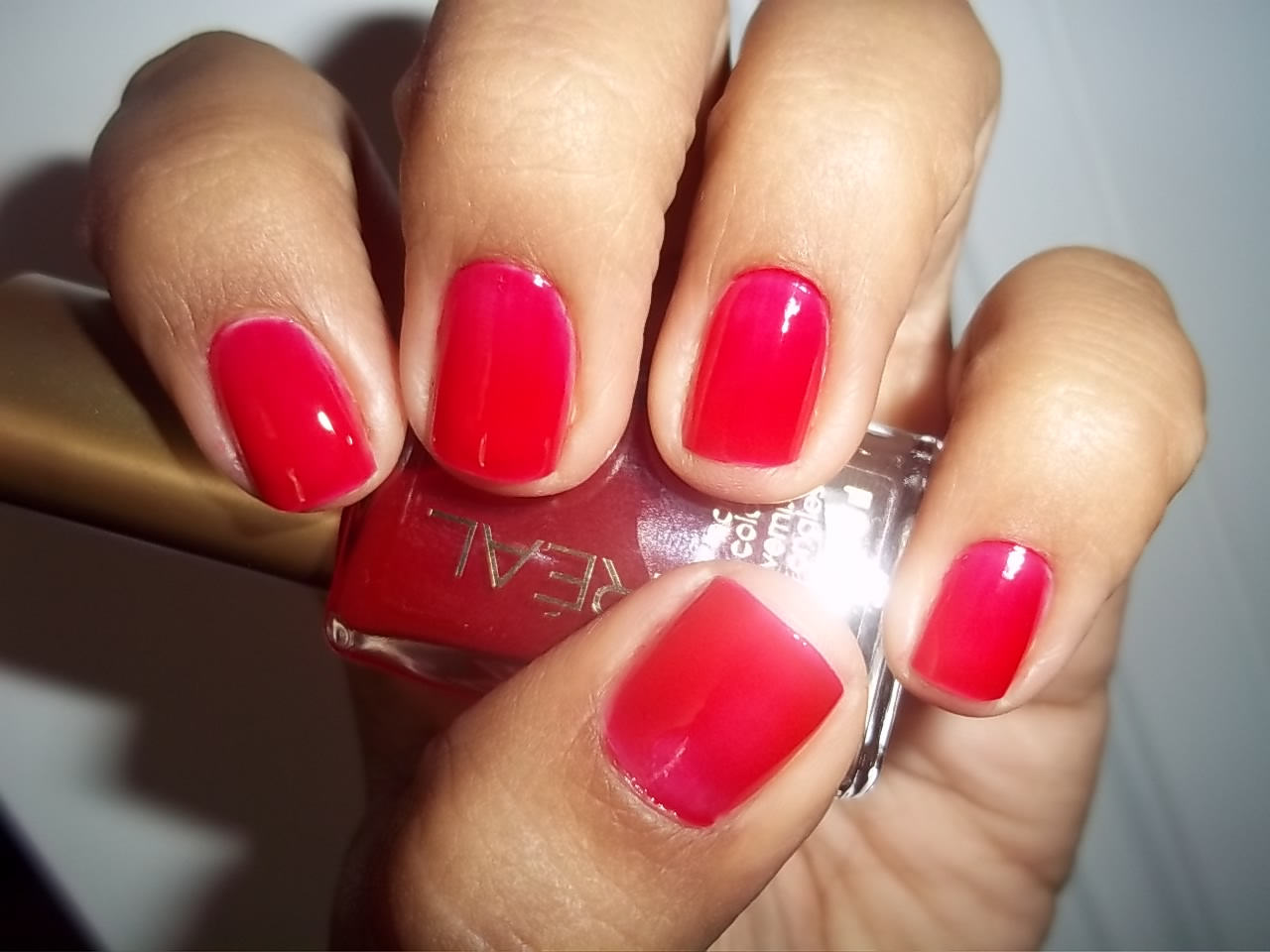 Oreal Limited Edition Miss Candy Collection Nail Color in Jolly Lolly