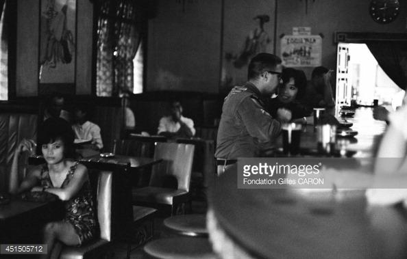 Ảnh lính Mỹ với gái Việt