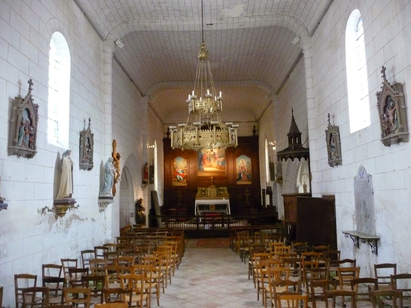Interior view of Bonnes church