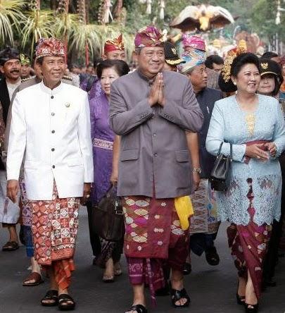 Busana Adat Bali
