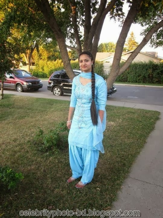 Deshi+girl+real+indianVillage+And+college+girl+Photos058