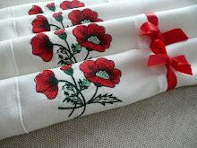 Serwetki lniane z haftem maków
