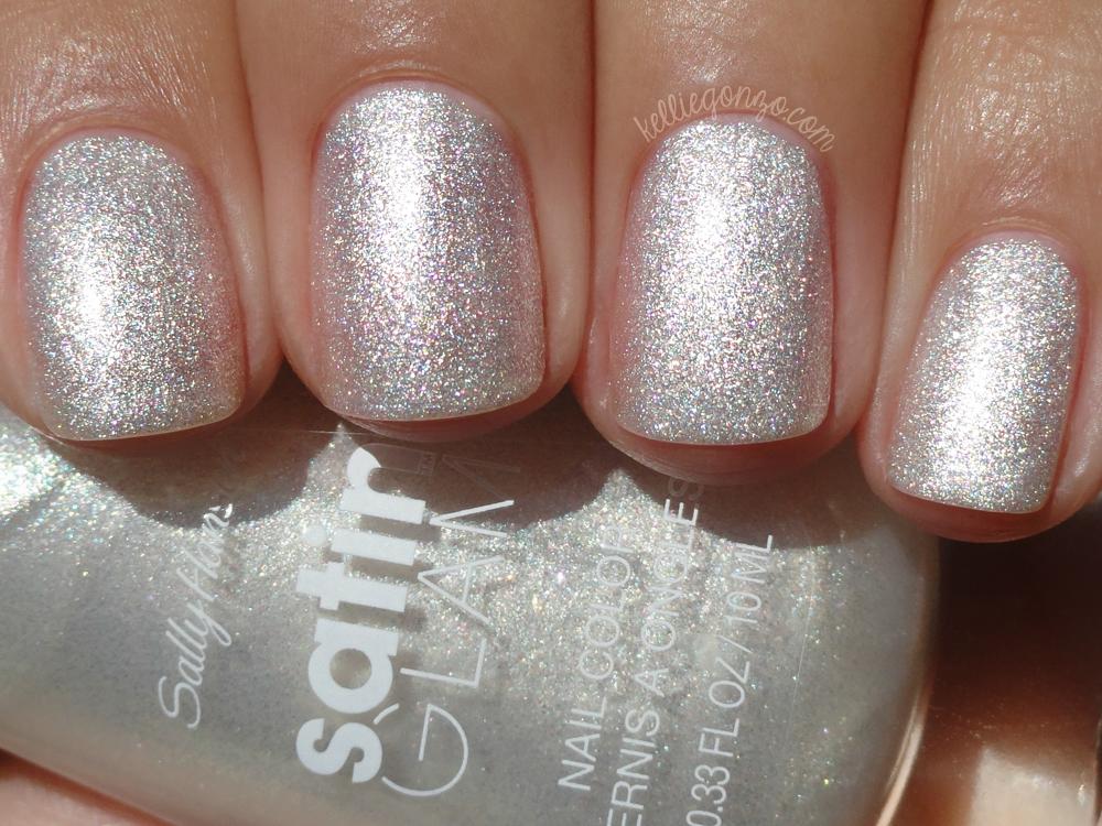 Sally Hansen Satin Glam - Crystalline with top coat | kelliegonzo
