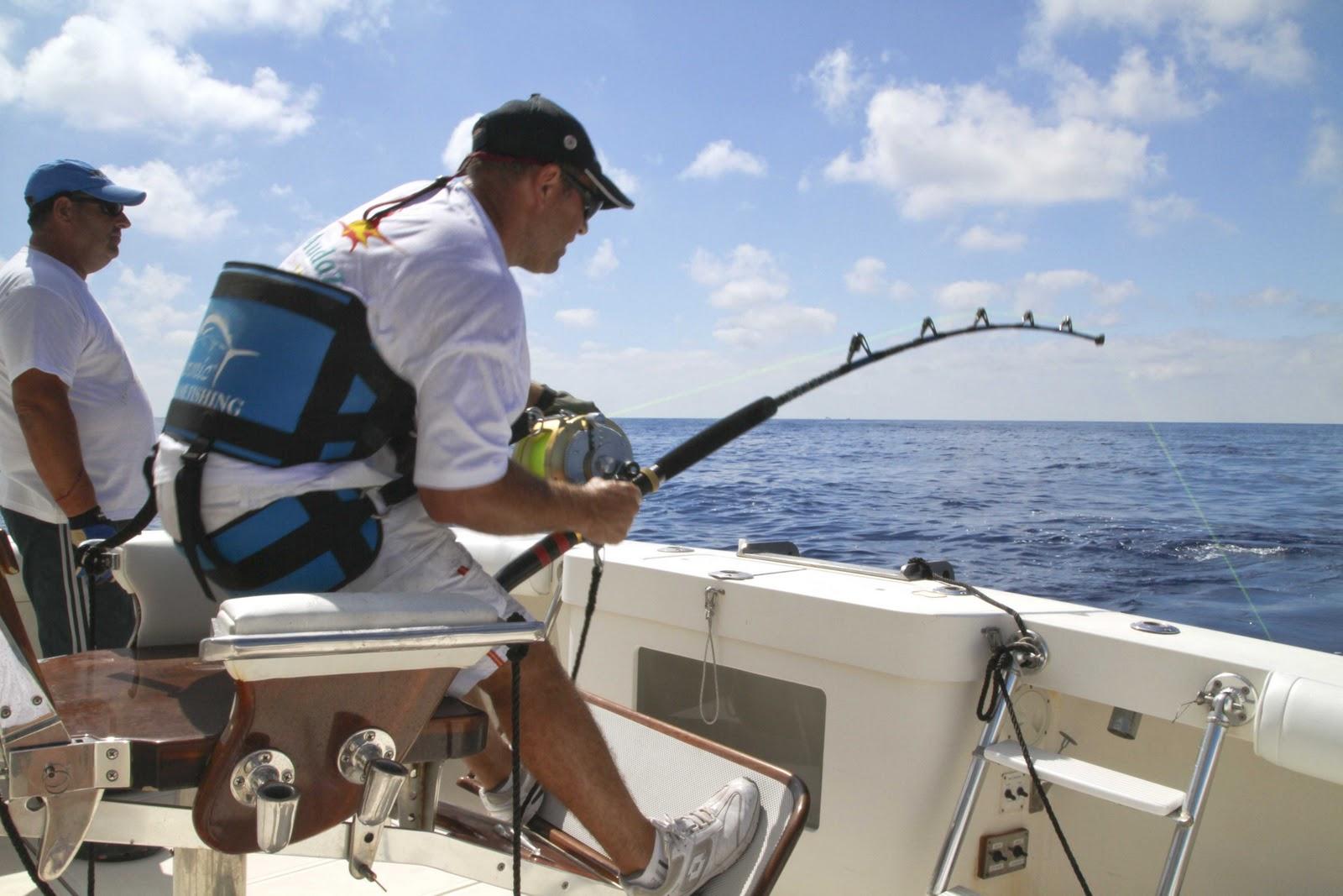 Oliver el pescador dominicano equipo para pescar el marlin - Silla de pescar ...
