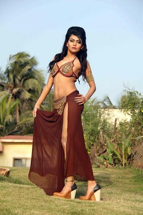 sakshi pradhan spicy unseen pics