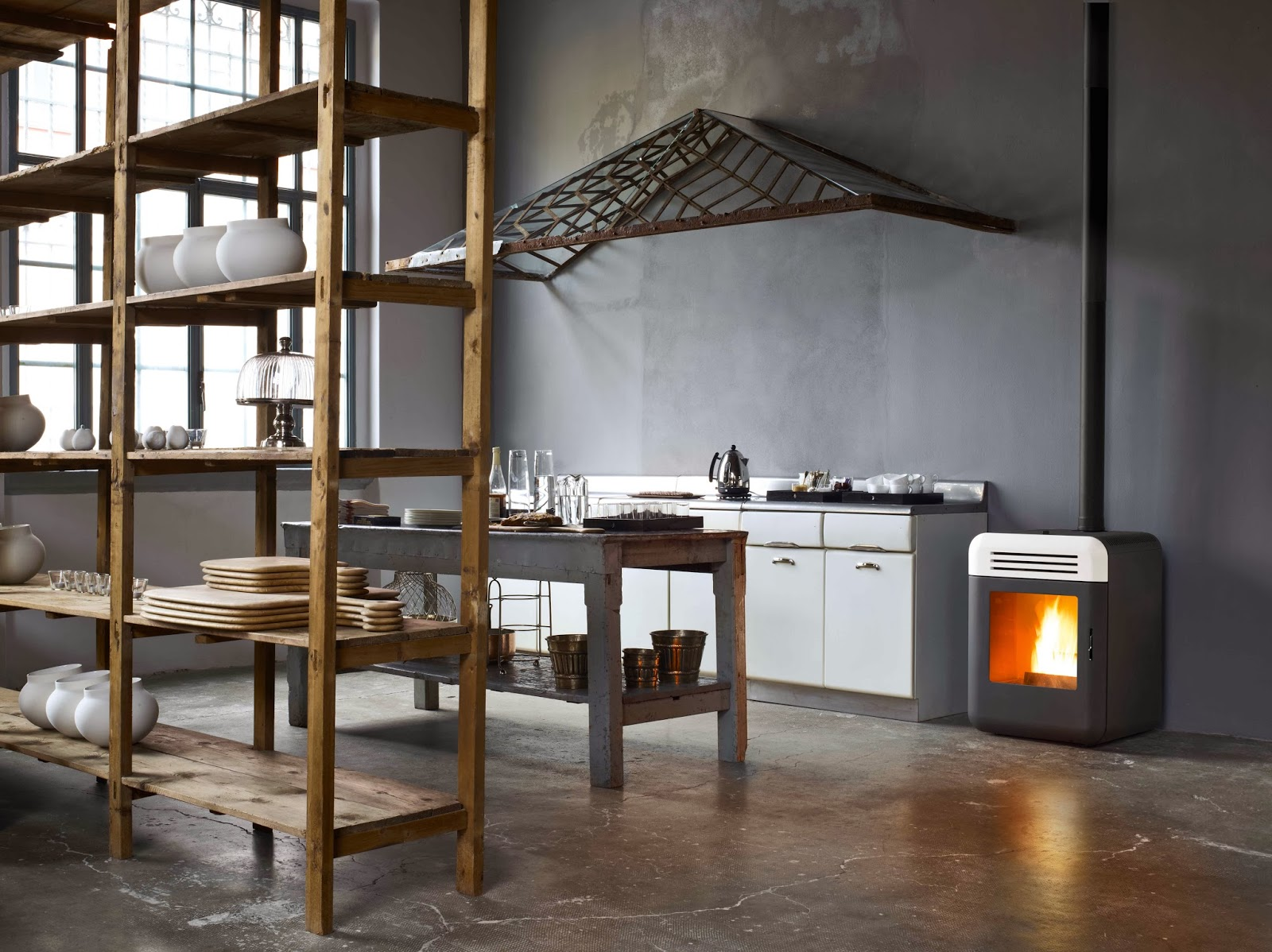 Stufa thema design e calore blog di arredamento e - Stufa pirolitica per interni ...