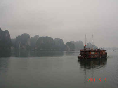Barco por la Bahia de Halong - Vietnam