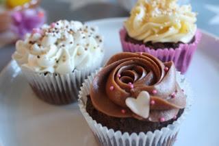 http://lizasmatverden.blogspot.no/2013/03/cupcake-som-avec-til-kaffen-cognac-og.html