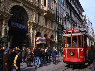 الأماكن السياحية اسطنبول الصور beyoؤںlu.jpg