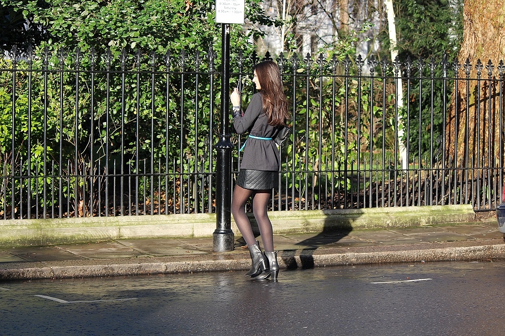 peexo fashion blog wearing pinstrpe blazer and leather quilted skirt and topshop lave bralet and black boots