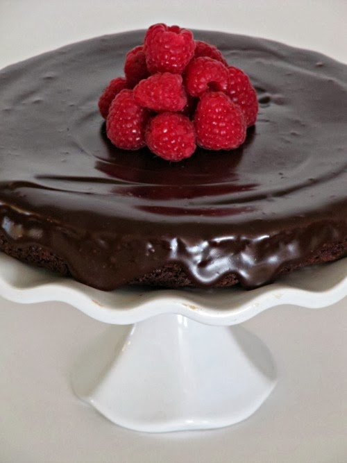 Flourless Chocolate Cake with Chocolate Ganache Frosting