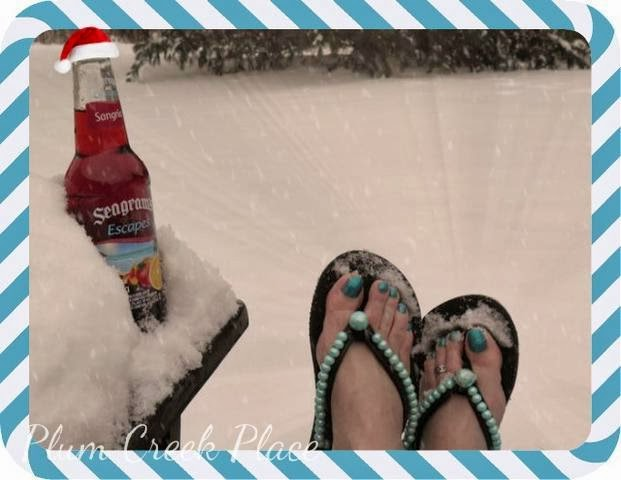 Toes, snow sunning
