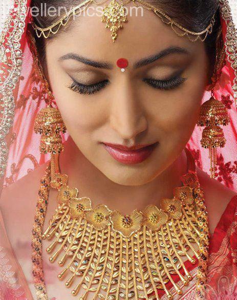 Yami Gautam In Jewellery Ad Actress Yami Gautam in...
