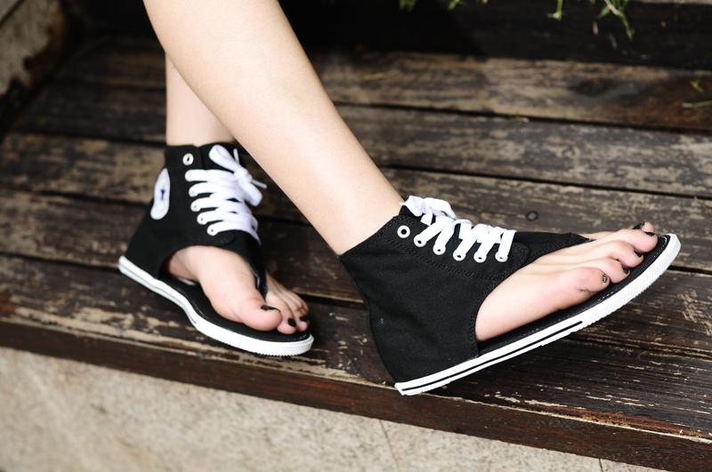 all black converse high tops girls