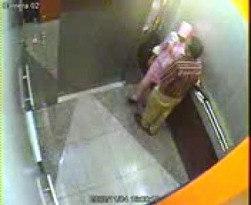 PANAS RAGAM MANUSIA Bos kantoi Cium Setiausaha Dalam Lif CCTV