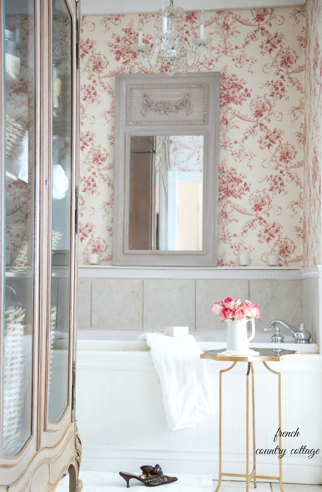 Inspiration cottage bathroom dreaming french country for French cottage bathroom design