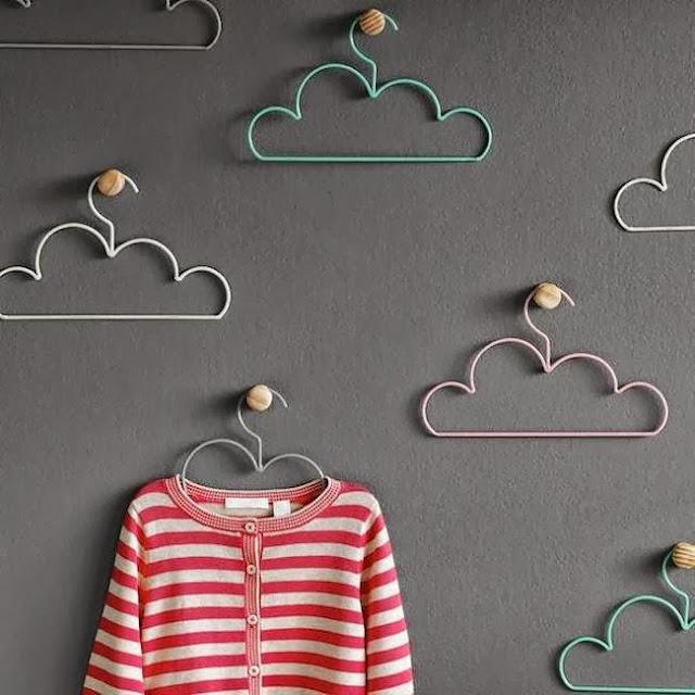 Perchas creativas con forma de nube Cloud Coathangers