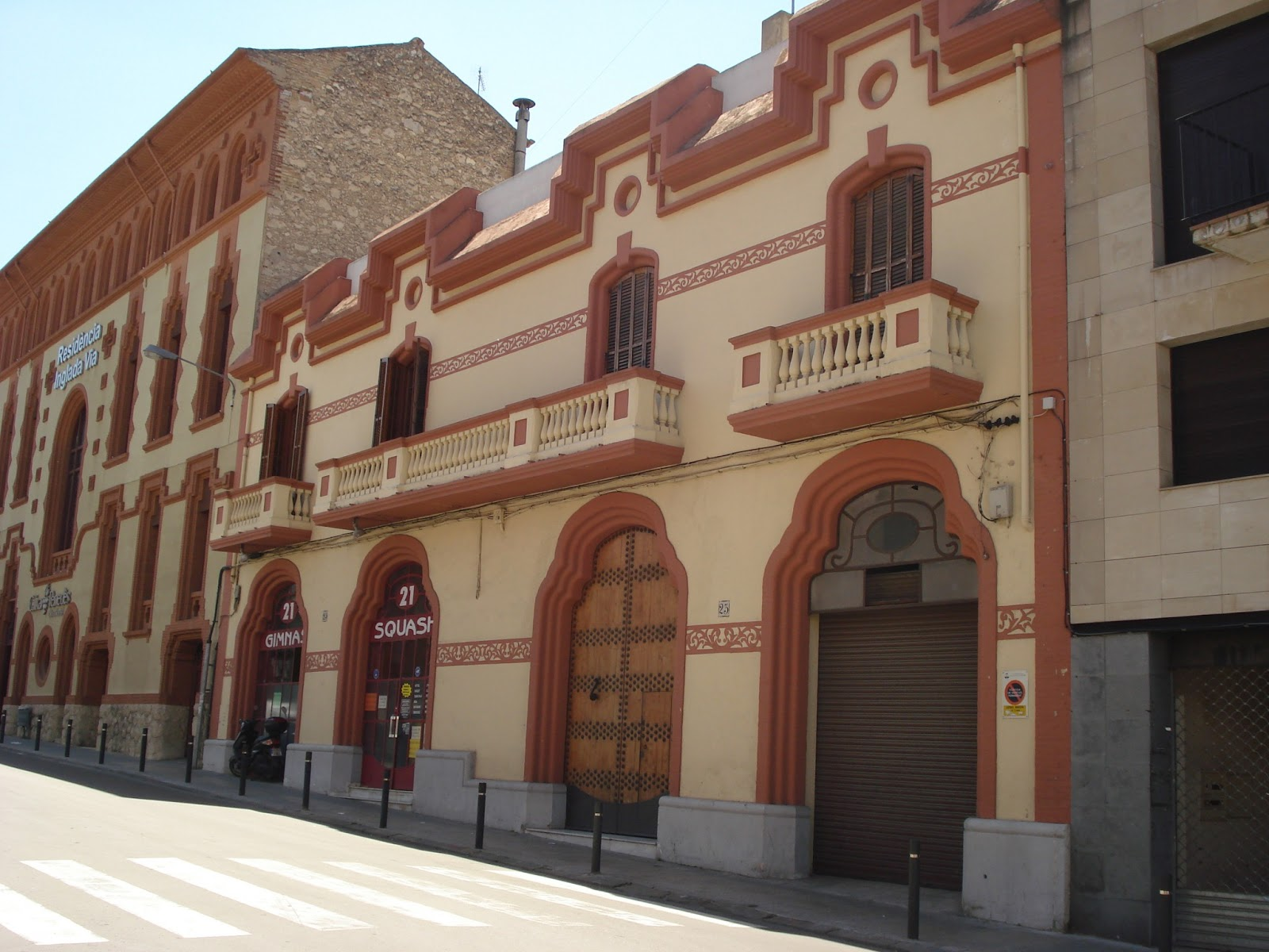 Relat casa vicen mestres tauler de vilafranca del pened s for Morato vilafranca