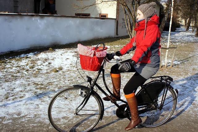 zima na rowerze, czy rowerem można jeździć w ciąży zimą?