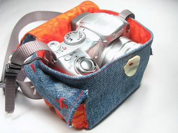 membuat kerajinan tas kamera dari kain jeans lama