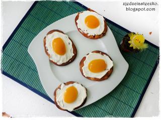 Ciasteczka z 'jajkami sadzonymi'