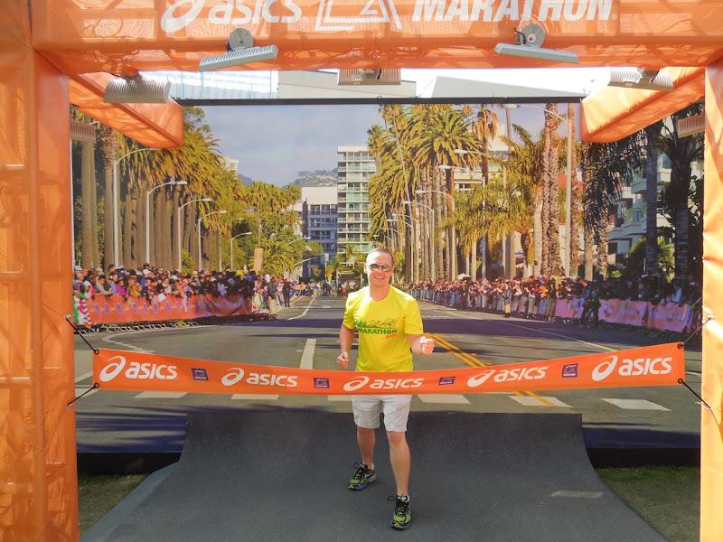 Asics LA Marathon faux Finish Line Grove