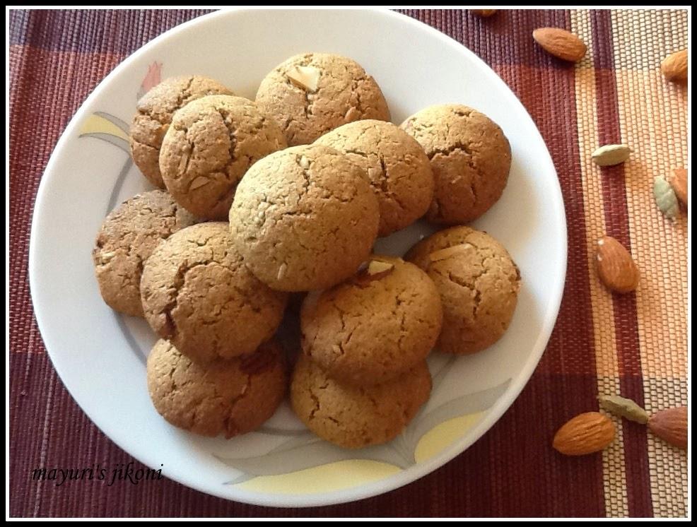 Mayuri's Jikoni: 458. wholewheat almond cookies