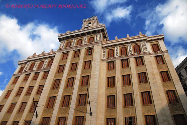 Edificio Bacardí, máxima expresión del Art Deco en La Habana, Cuba