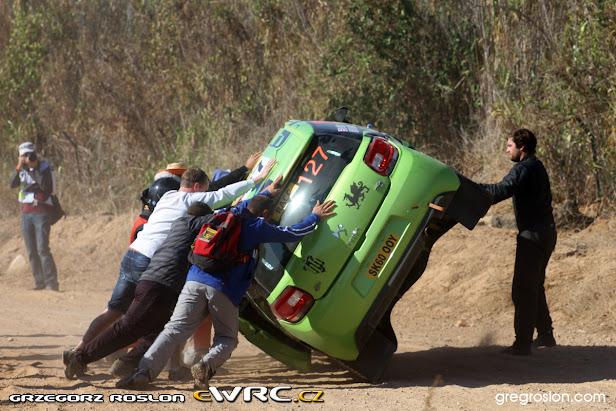 Rallye de España 2011: Loeb da un golpe de efecto