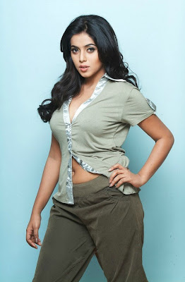 Actress Poorna hot navel expose stills