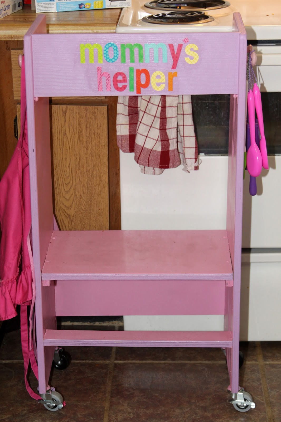 For the love of food diy kid 39 s kitchen helper stool for Diy kids stool