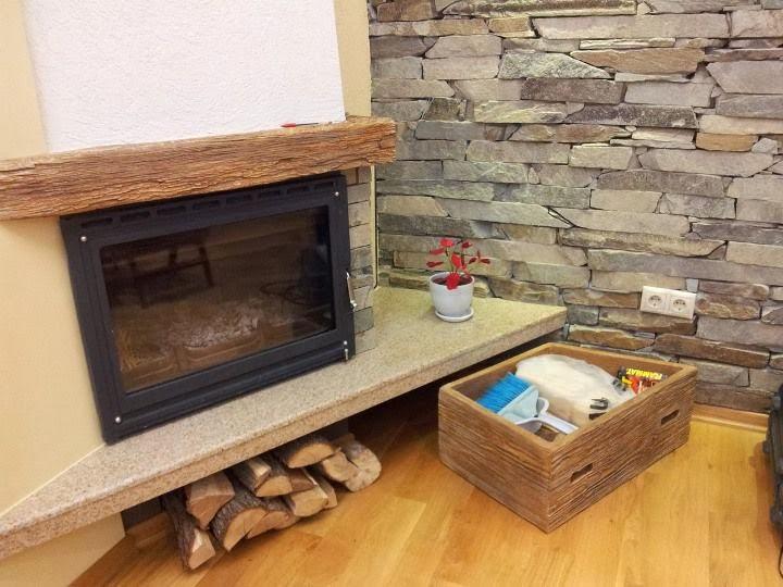 Чекмедже за камина декорирано 1