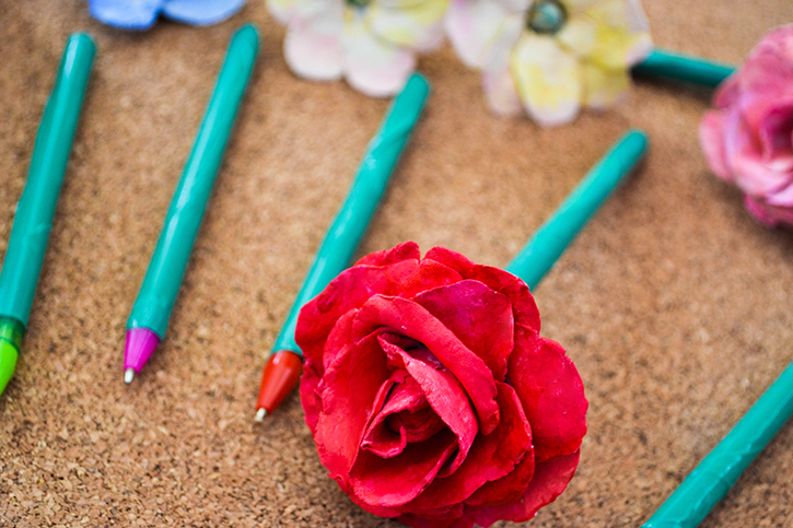 DIY Botanical Pen/Pencil Bouquet as Grad Gifts #diy #ideas #gifts