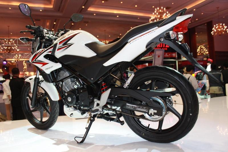 Yamaha NEW V-IXION dan Honda Teralis CB 150R : Ternyata Kayak Gini??