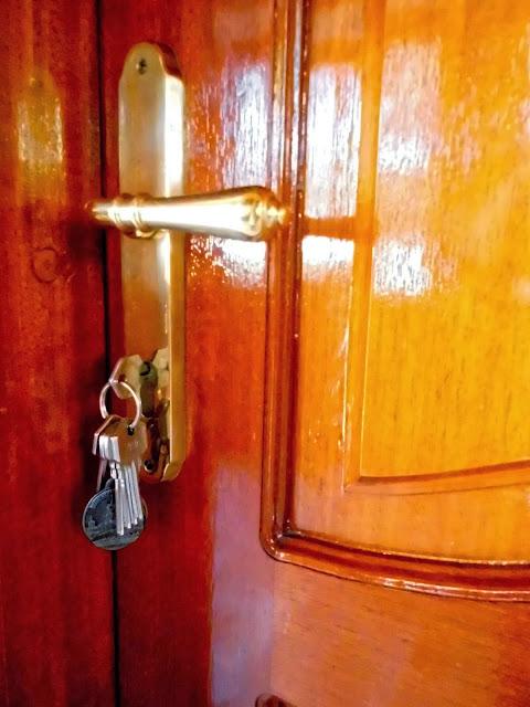 Como lubricar las cerraduras de sus puertas