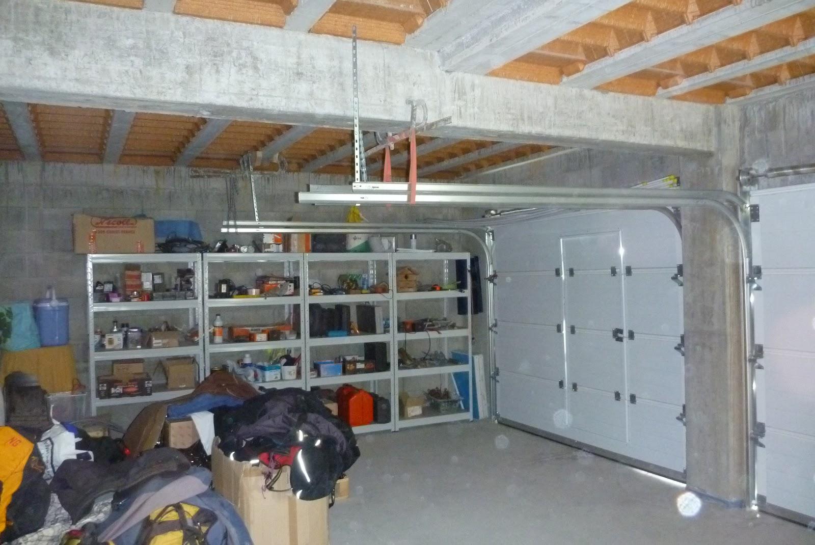 construire sa maison garage cellier salle de bain toilettes. Black Bedroom Furniture Sets. Home Design Ideas