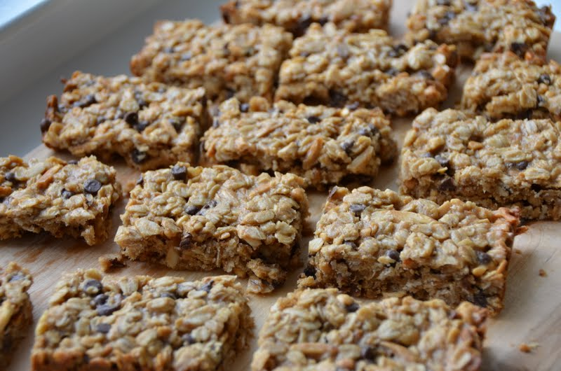 Playing with Flour: Peanut butter granola bars