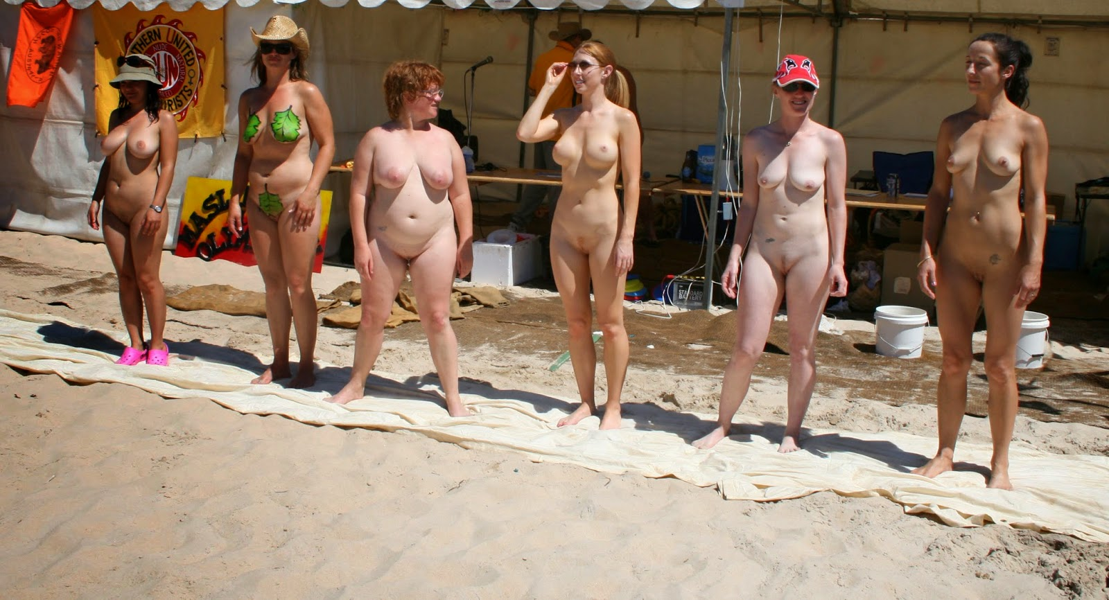 beatiful women all naked