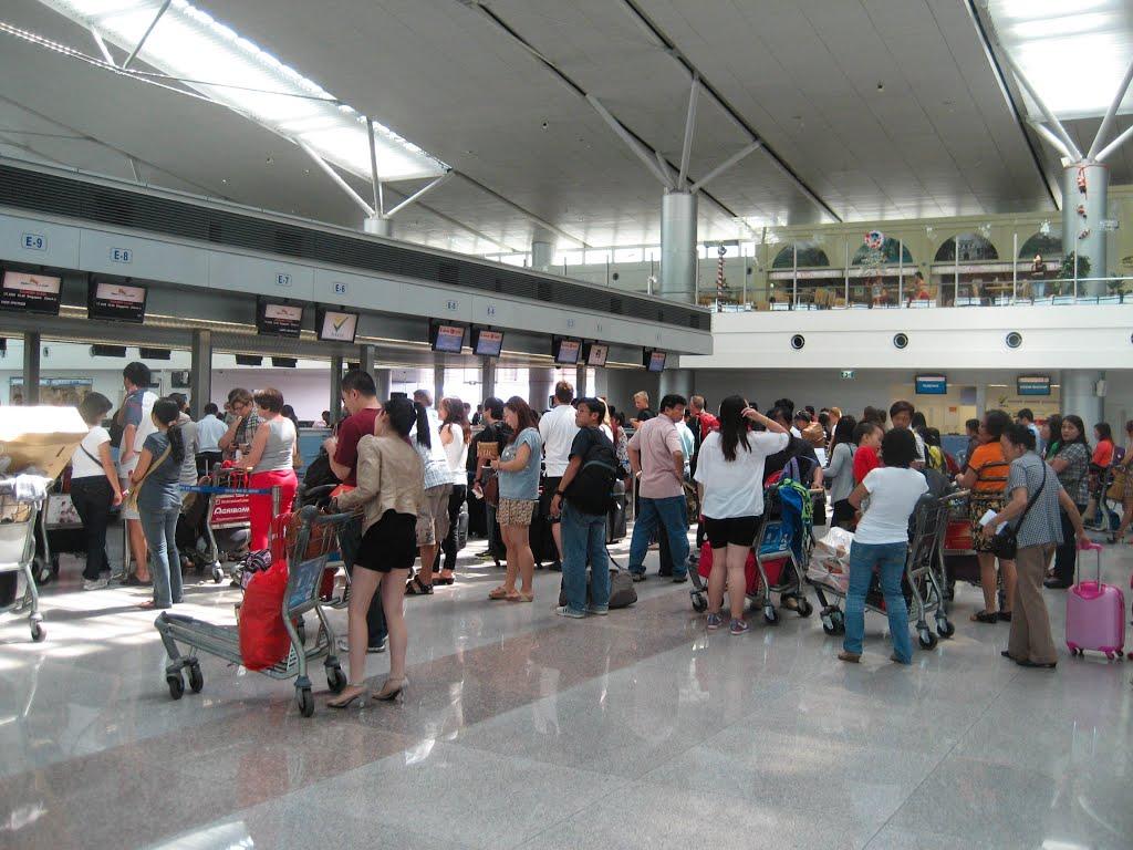 Miễn thị thực cho người Việt Nam định cư ở nước ngoài