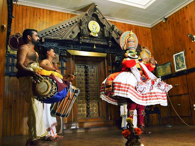 Family Traditional tour  kerala