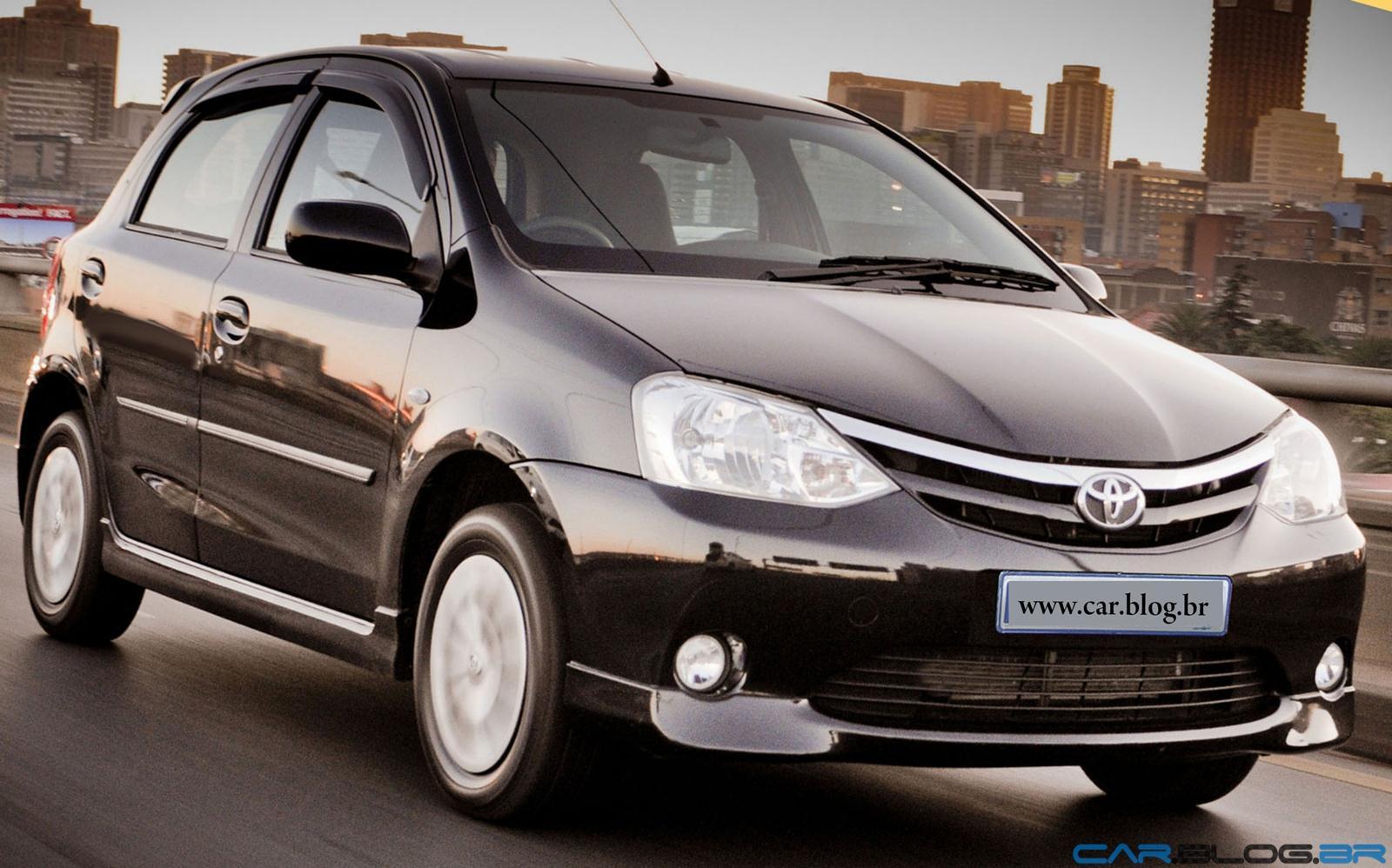 Toyota carro s mbolo de orgulho familiar em pa s - Hatch empresa ...