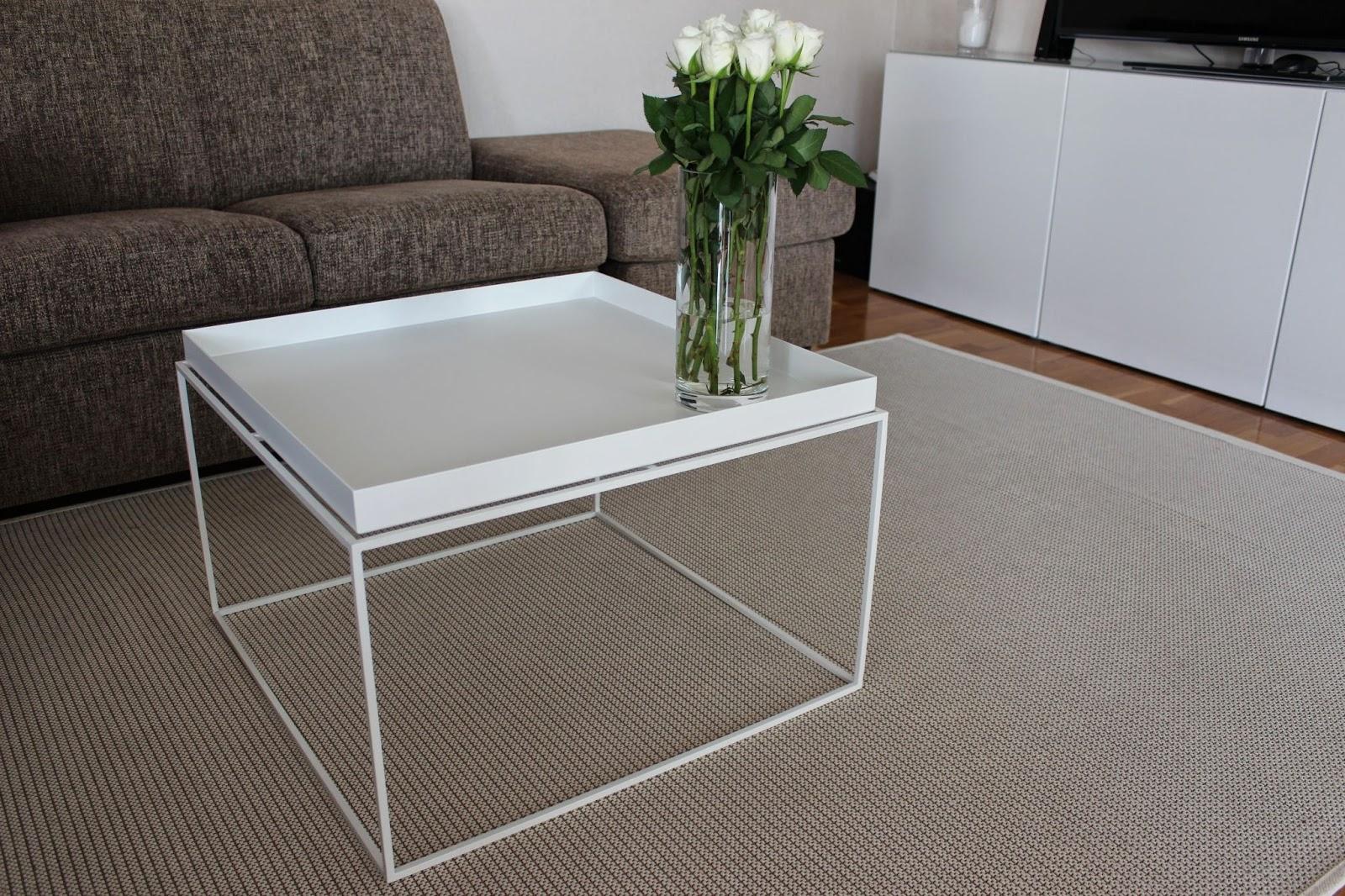 tanttaralla hay tray ja olohuoneen vaalennusta. Black Bedroom Furniture Sets. Home Design Ideas
