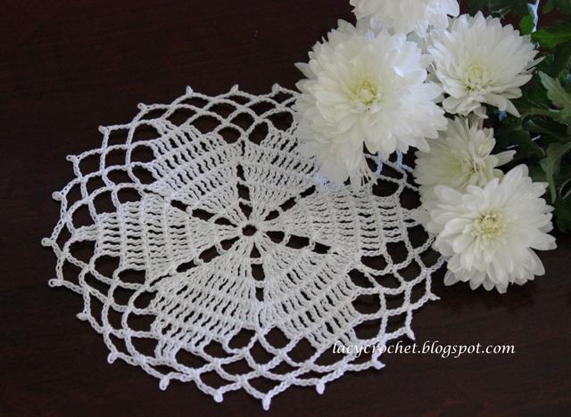 Lacy Crochet: Small Star Doily, Free Pattern